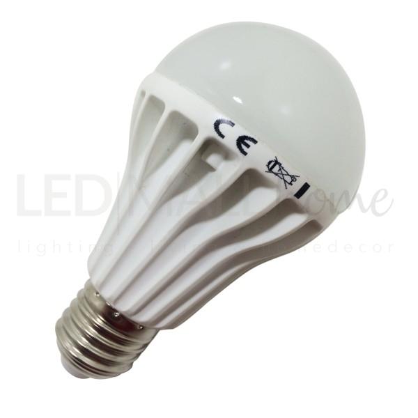 Lampada bulbo goccia led A65  10W attacco E27  bianco caldo 3000°k 900 lumen